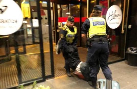 中国游客遭粗暴对待 瑞典检察官:警方无任何过错